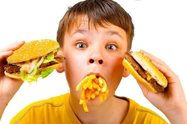 Đau dạ dày do ăn quá nhanh