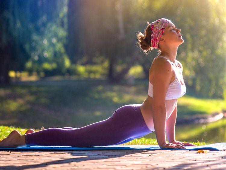 Tập yoga giúp dạ dày khỏe mạnh nhờ giảm stress
