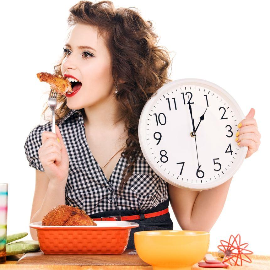 Ăn không đúng bữa khiến dạ dày phải khóc