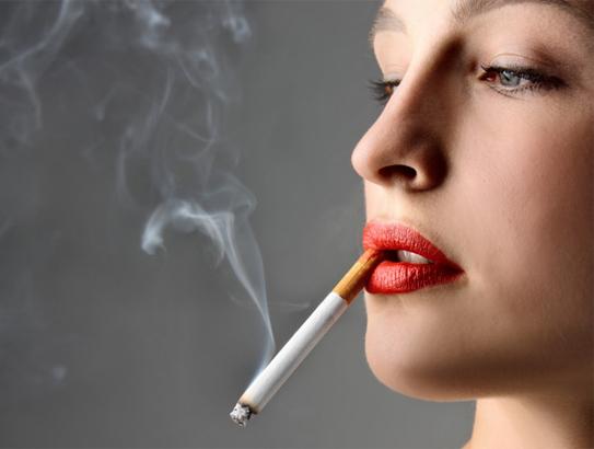 Hút thuốc lá là kẻ thù của bệnh đau dạ dày