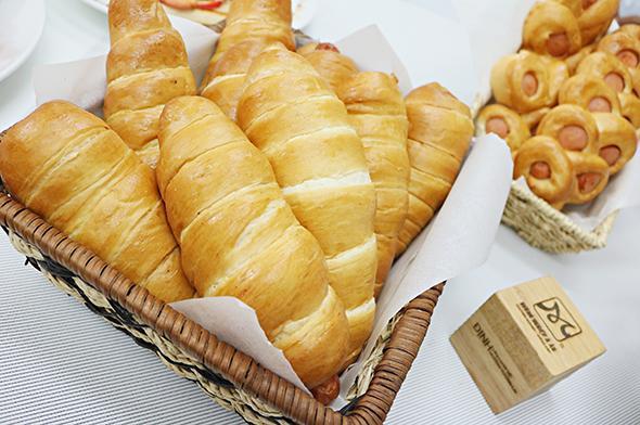 Dùng bánh mỳ trong chế độ ăn của người bị đau dạ dày