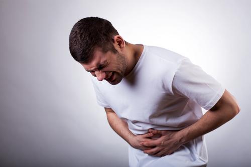 Chậm tiêu gây đầy hơi, đau bụng cũng là nguyên nhân gây rối loạn chức năng dạ dày
