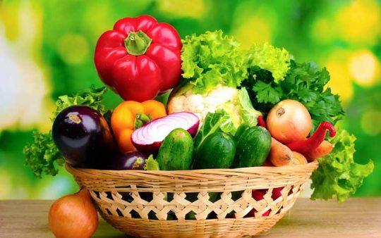 Bổ sung nhiều rau xanh, hoa quả để cung cấp vitamin, tăng cường đề kháng
