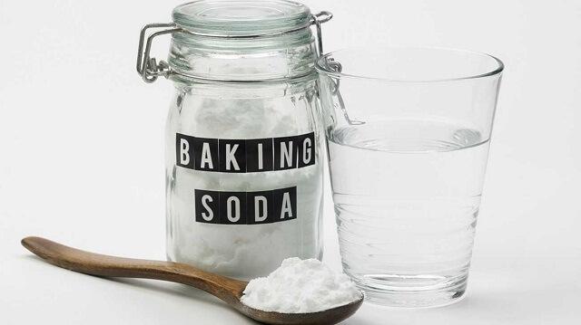 Bị đau dạ dày nên uống baking soda