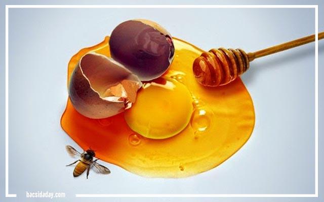 Chữa đau dạ dày bằng mật ong với trứng gà