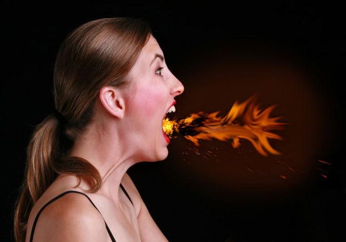 Ợ nóng là dấu hiệu của bệnh trào ngược dạ dày thực quản