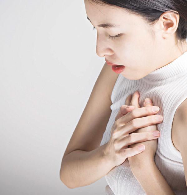 Đau tức ngực thường xuyên triệu chứng trào ngược dạ dày thực quản