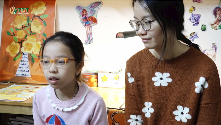 Chị Bùi Thị Lâm Thanh (mẹ bé Nguyễn Tùng Chi – 9 tuổi, Đống Đa, Hà Nội) chia sẻ